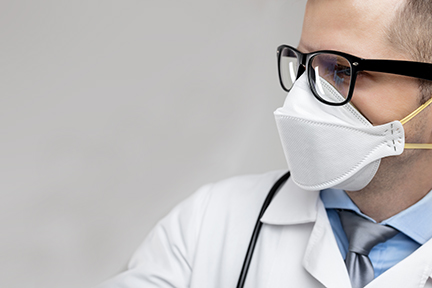 doctor-wearing-respiratory-mask